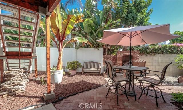 1048 4th Street, Hermosa Beach, California 90254, 2 Bedrooms Bedrooms, ,1 BathroomBathrooms,For Rent,4th,SB19092897