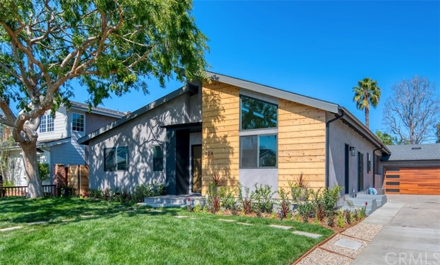424 Esther Street, Costa Mesa, CA 92627