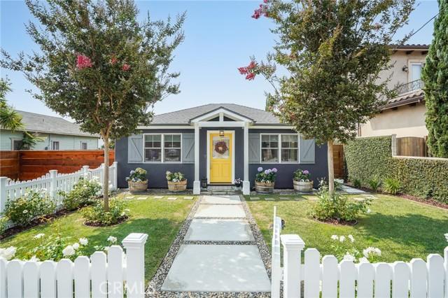 2002 Robinson Street, Redondo Beach, California 90278, 3 Bedrooms Bedrooms, ,2 BathroomsBathrooms,For Sale,Robinson,PV21181666