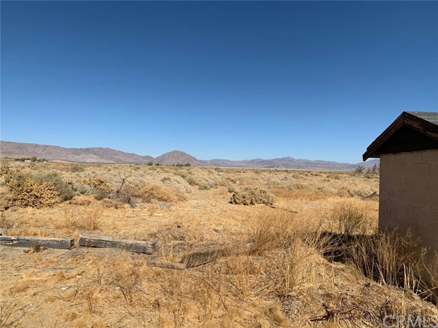 32174 Sunset Rd, Lucerne Valley, CA 92356 Photo 10
