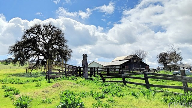 Property for sale at 2690 Neal Springs Road, Templeton,  California 93465