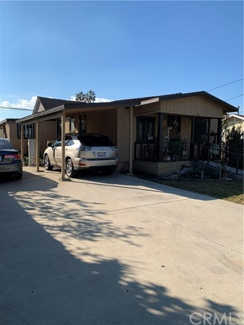 1718 W Second Street, Santa Ana, CA 92703