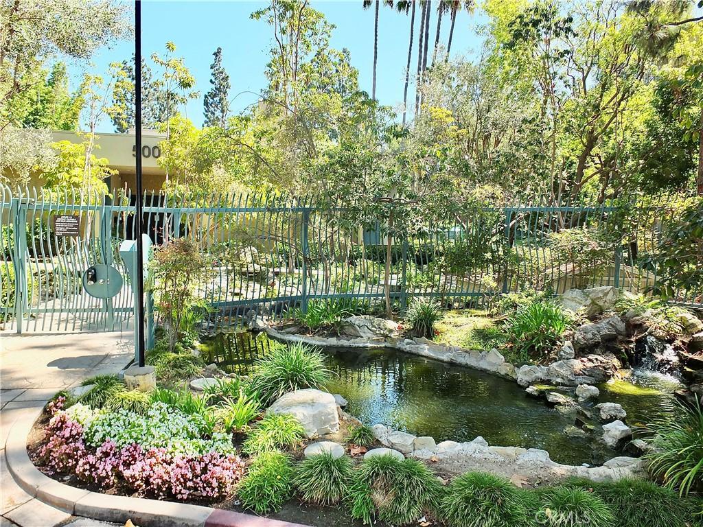 412   N Bellflower Boulevard   211, Long Beach CA 90814