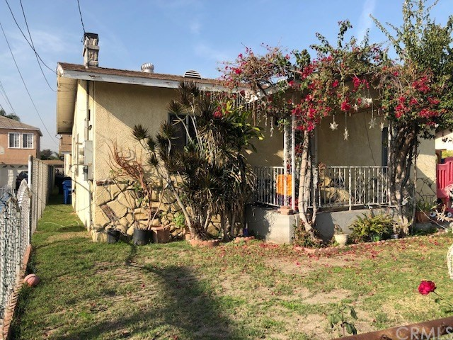 6933 Orchard Avenue, Bell, CA 90201