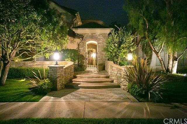 7 Coastal Canyon Drive