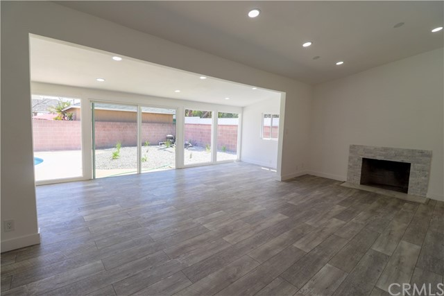 Image 14 of 2288 San Vicente Ave, Long Beach, CA 90815