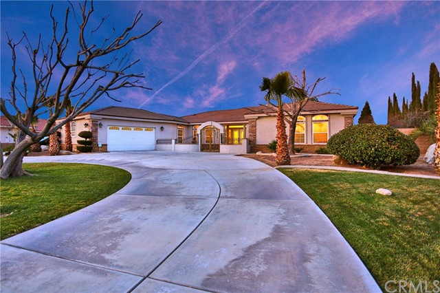 19264 Estancia Way, Apple Valley, CA 92308