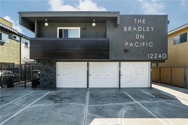 12240 Pacific Avenue, Los Angeles, CA 90066