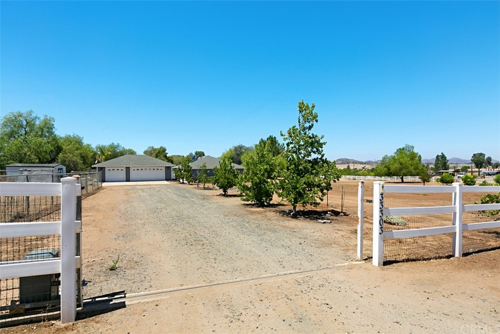 Photo of 33303 Louise Road, Winchester, CA 92596