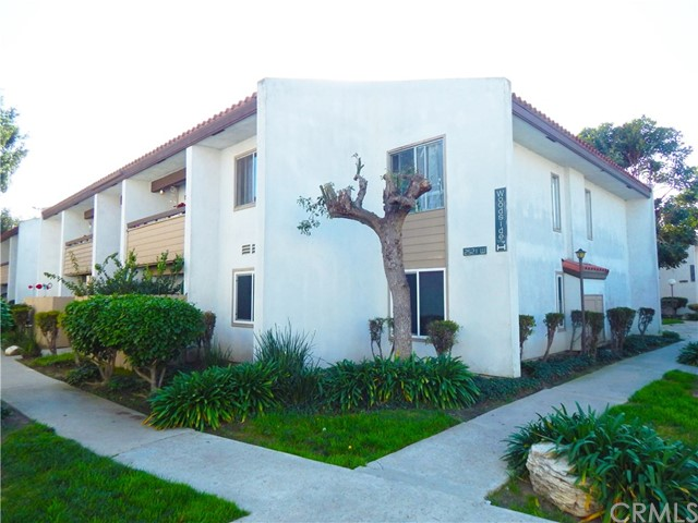 2521 W Sunflower Avenue H11, Santa Ana, CA 92704