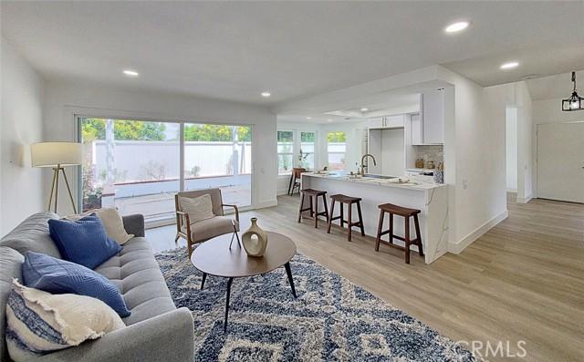 22 Brookstone, Irvine, CA 92604