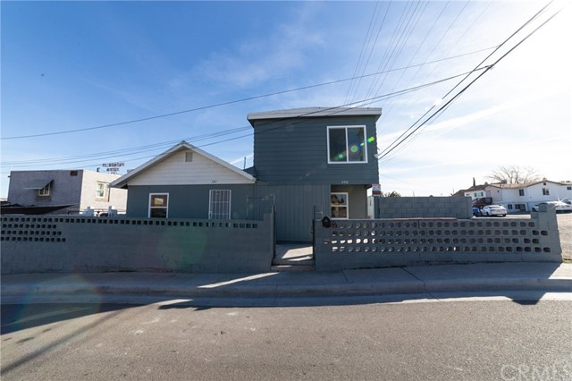 209 S 1st Avenue, Barstow, CA 92311