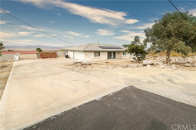 32564 Emerald Rd, Lucerne Valley, CA 92356 Photo 3