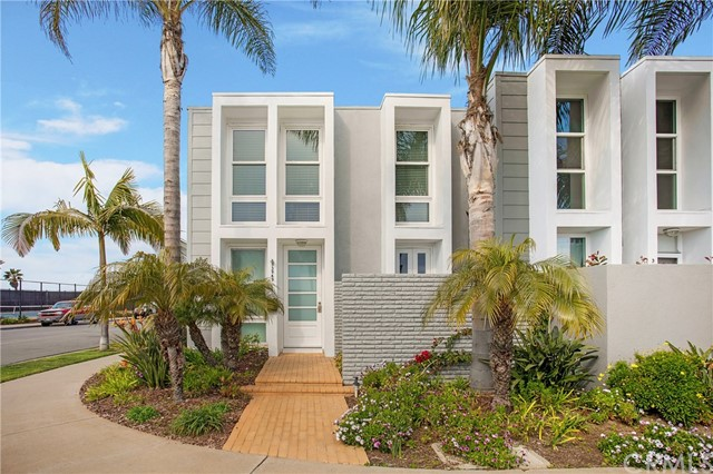 3949  Warner Avenue, Huntington Harbor, California