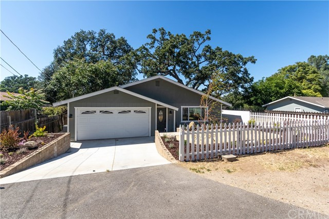 300 Old County Road, Templeton, CA 93465