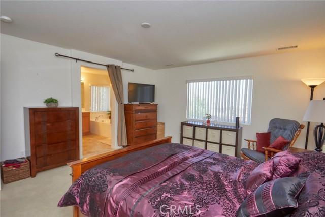 8443 Fillmore Ct, Oak Hills, CA 92344 Photo 27