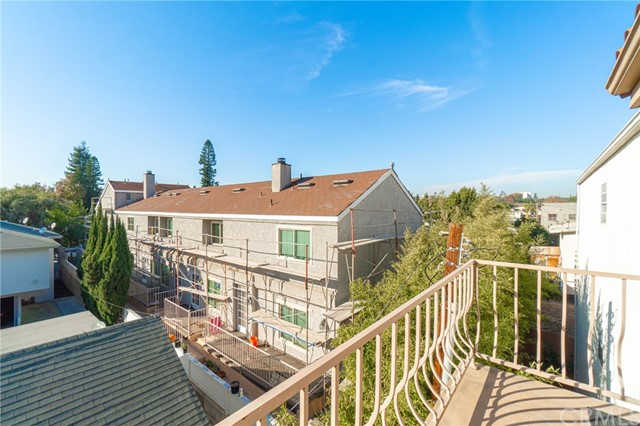 1145 Roswell Avenue #18