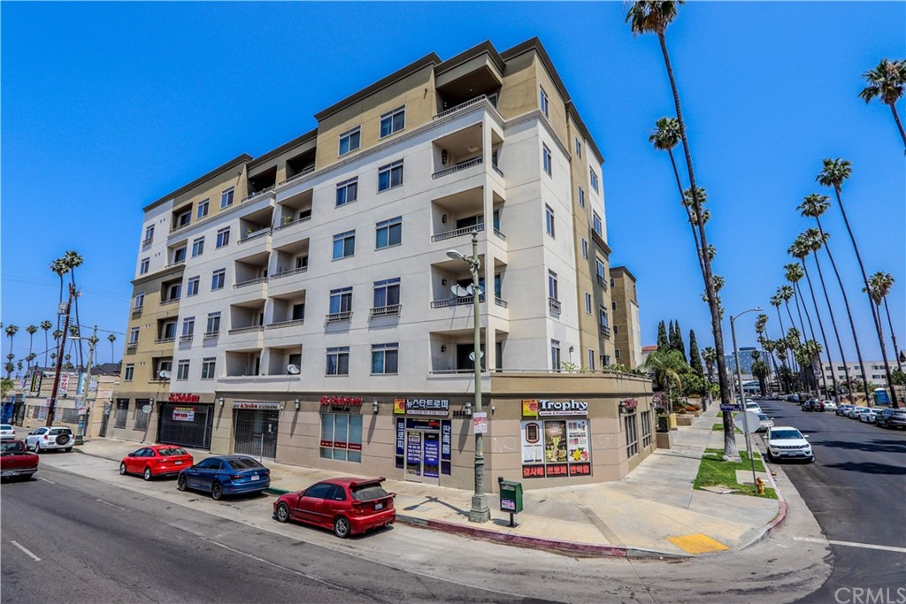 991     Arapahoe Street   504A, Los Angeles CA 90006