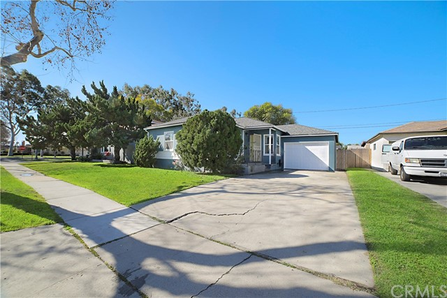 4909 Autry Avenue, Lakewood, CA 90712