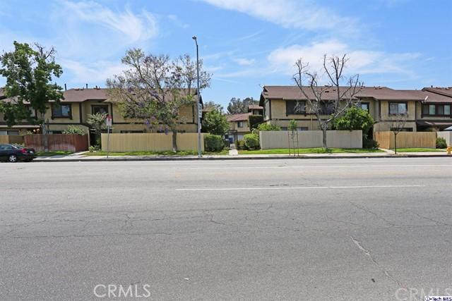 8601 Sunland Boulevard 15, Sun Valley, CA 91352