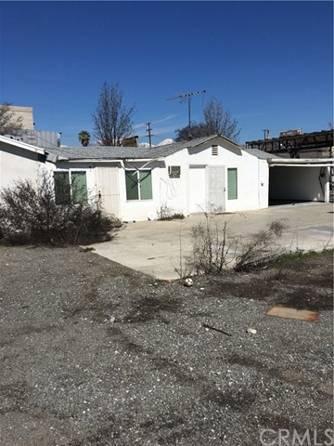 10943 Kadota Avenue, Pomona, CA 91766