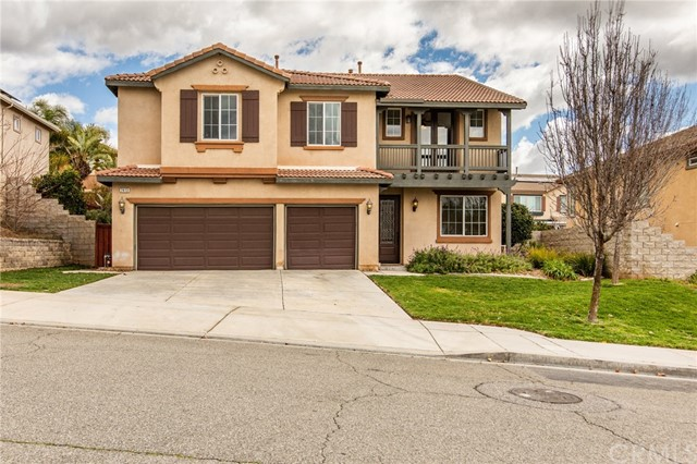 7413 Tioga Lane, Highland, CA 92346