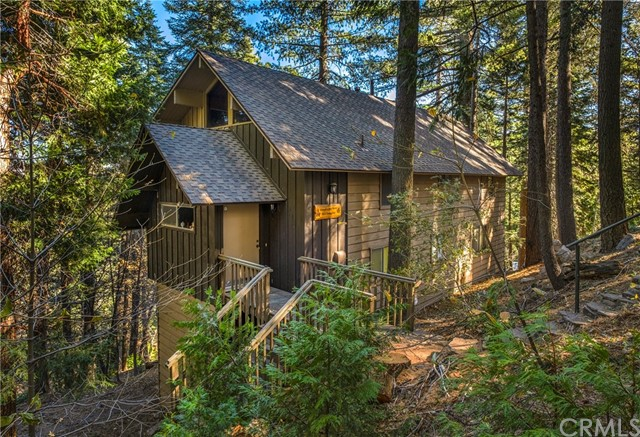 817 Fern Rd, Lake Arrowhead, CA 92385