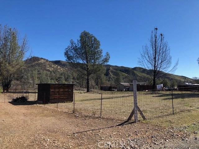 2905 Meadow Creek Road, Clearlake Oaks, CA 95423