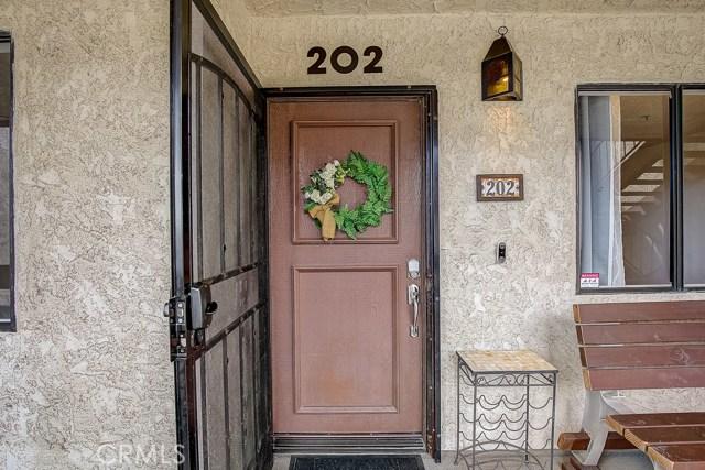 7715 Newman Avenue 202, Huntington Beach, CA 92647