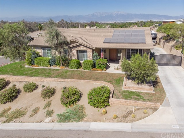 565 Draft Horse Place, Norco, CA 92860