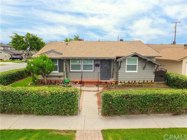 12368 207th Street, Lakewood, CA 90715