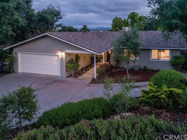 Property for sale at 830 Lincoln Avenue, Templeton,  California 93465