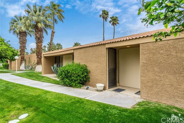 2563 Whitewater Club Drive A, Palm Springs, CA 92262