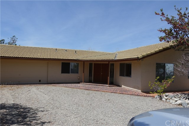 29218 Mescal Highlands Drive, Llano, CA 93544