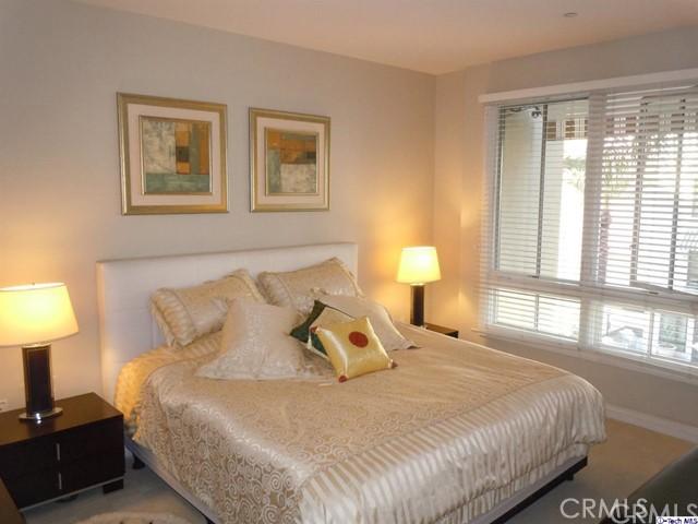 476 Caruso Avenue, Glendale, California 91210, 2 Bedrooms Bedrooms, ,2 BathroomsBathrooms,Condominium,For Sale,Caruso,320004641