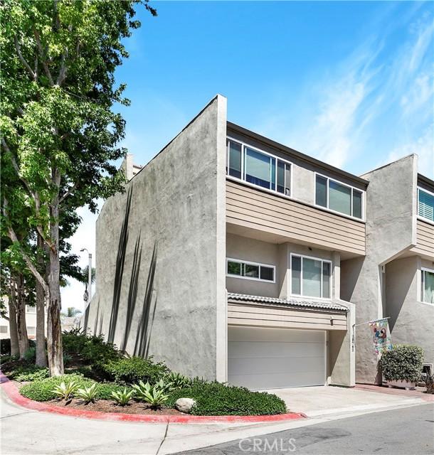 18761 Club Lane Huntington Beach, CA 92648