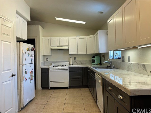 6. 6958 Mohawk Trail Yucca Valley, CA 92284