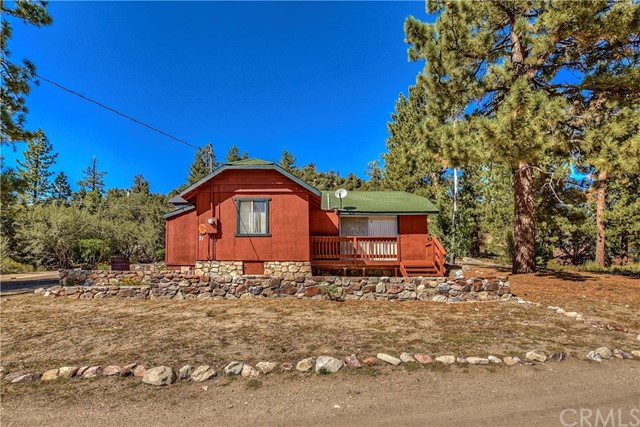 71 Lakeview Track, Fawnskin, CA 92333