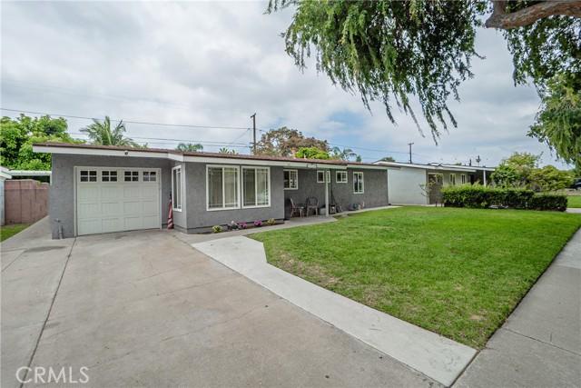 2. 6920 E Bacarro Street Long Beach, CA 90815