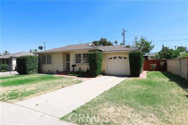 1074     Circle City Drive, Corona CA 92879