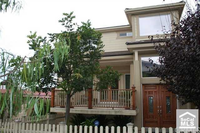241 IRENA Avenue B, Redondo Beach, California 90277, 4 Bedrooms Bedrooms, ,3 BathroomsBathrooms,For Sale,IRENA,S597917