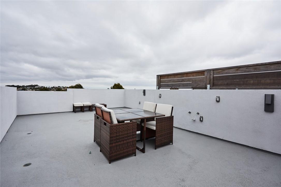 1920 Pacific Coast 107, Redondo Beach, California 90277, 3 Bedrooms Bedrooms, ,3 BathroomsBathrooms,For Rent,Pacific Coast,PV21035247