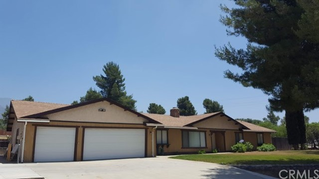 10013 Country Lane, Yucaipa, CA 92399