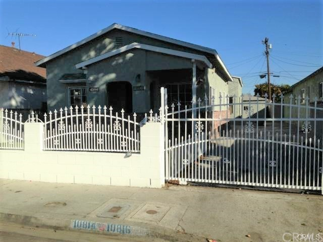 10816 Lou Dillon Avenue, Los Angeles, CA 90059