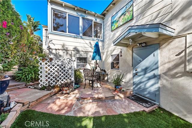 27. 575 Blumont Street Laguna Beach, CA 92651