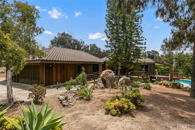 2. 6983 Via Del Charro Rancho Santa Fe, CA 92067