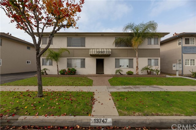 13747 Woodruff Avenue, Bellflower, CA 90706