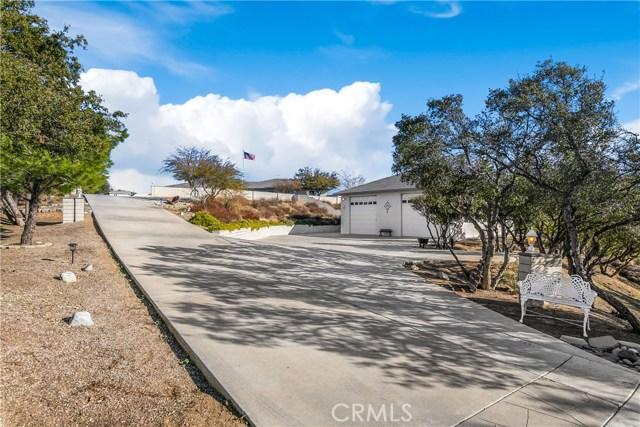 10260 Whitehaven St, Oak Hills, CA 92344 Photo 2