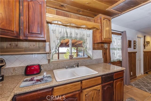 33674 Green Valley Lake Rd, Green Valley Lake, CA 92341 Photo 5