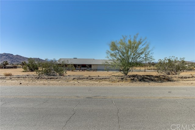 59733 Aberdeen Dr, Yucca Valley, CA 92284
